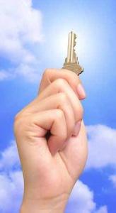 hand-holding-key1